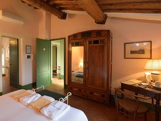 Pieve a Salti Holiday Home Sleeps 2 with Pool Air Con and Free WiFi - 5819036