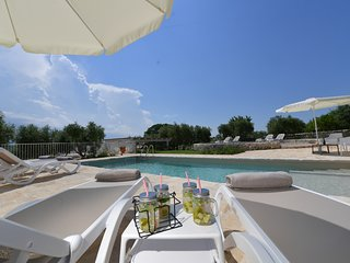 San Marco in Lamis Villa Sleeps 8 with Pool Air Con and WiFi - 5809154