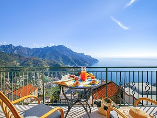 Residenza Rosalia with Sea View, Private Terraces and Air Conditioning