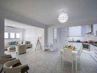 Larnaca Finikoudes Suite 405