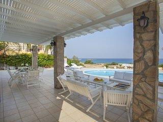Protaras Beachfront Villa Mimosa