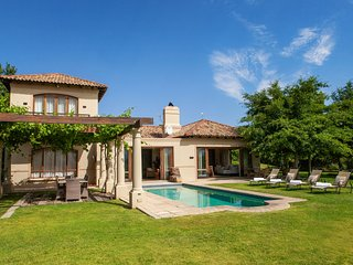 Stunning, Safe and Spacious Villa In prime location - La Bella Vita Villa