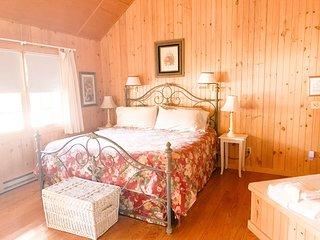 Twinleaf Honeymoon Cottage