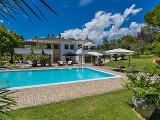 Terme di Carignano Villa Sleeps 8 with Pool and Air Con - 5247956