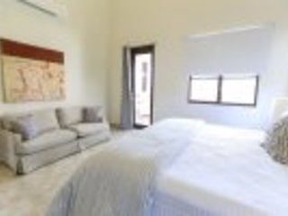 Luxury 3 Bedroom Private Condo at Solarea Beach Resort, vacation rental in Palmas Del Mar