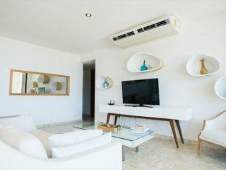 Spacious Luxury 3 Bedroom Condo at Solarea Beach Resort