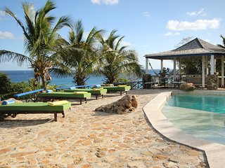 Pattersons Dwelling House Villa Sleeps 10 with Pool Air Con and WiFi - 5813854