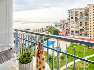 Seaside condo w/ private balcony & shared pool/hot tub - beach access!