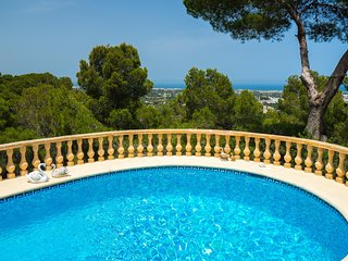 Comfortable 4-Bed villa with panoramic views