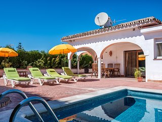 Lovely 3BR Villa Rosa by Rafleys in Peaceful Countryside