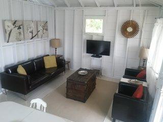 Beach House: Cottage One: Retro Retreat
