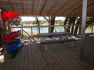 Two Dam Guest Cottages – River Studio