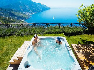 Sea View Villa in Ravello with lemon pergola, gardens & jacuzzi -Ideal Elopments