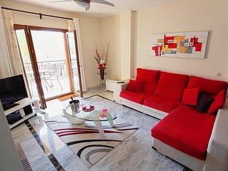 Monte Duquesa 'Courtyard' Apt .Spacious sleeps 5 .Fast WiFi, UK TV, AC & Heating