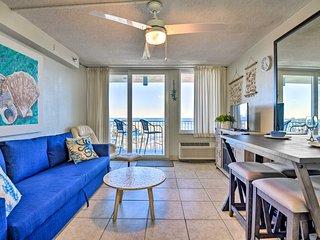 Oceanfront Resort-Style Getaway - Walk to Beach!