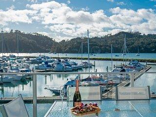 Harbourside with Marina Views - Whitianga Holiday Apartment, Whitianga