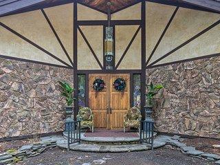NEW! Lavish Roxbury Villa 6 Mi to Plattekill Mtn!