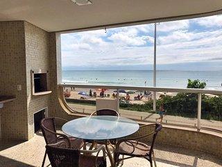 LA011E - Apartamento a beira mar da praia de Bombas - Bombinhas, SC