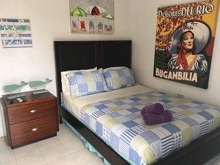 SS 2b - Standard Room,/ Coastal Express Inn #!