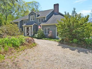 Hastings Retreat: Private beach & easy access to all of the North Shore