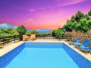 Aqua Mare Villa with Private Heated Pool