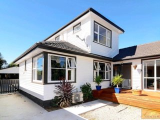 Beautiful Sunny Christchurch Home