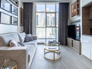 Modern Arabian Themed 1BR Apartment in Dubai Marina