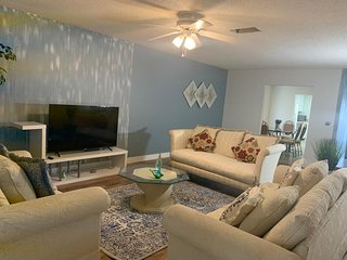Cozy home only 10 minutes Siesta key