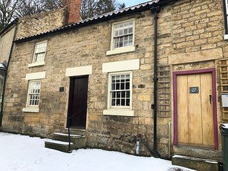 Drapers Cottage, Pickering - sleeps 4, dog-friendly, Grade II listed