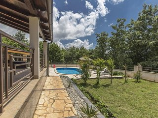 Luxury experience in Villa Kacana with heated pool and Play station 4