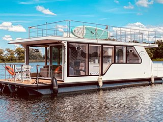 Beautiful ship/boat in Havelsee w/ 1 Bedrooms (DBB013)