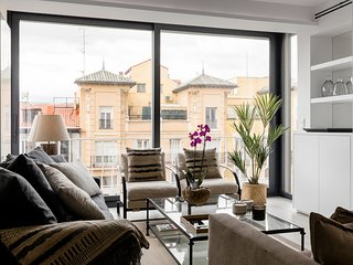 three-bedroom apartment located in Salamanca