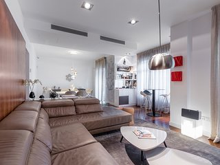 xclusive and modern three bedrooms apartment