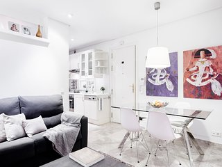 Stylish and high end apartment to let,