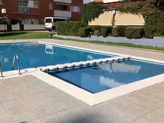 Fenals beach sunny apartment 3 bdr swimming pool&parking