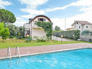 Nice home in Isca Marina w/ Outdoor swimming pool, WiFi and 2 Bedrooms (IKK505)