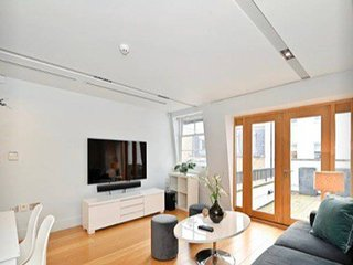 Top Floor 2 Bed Flat With Roof Terrace, Mayfair