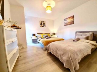 Deluxe flat with parking near LFC & CityCentre