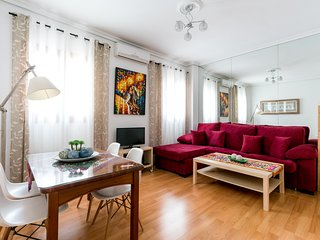 Jesus del Gran Poder A. 2 bedrooms for up to 4 people