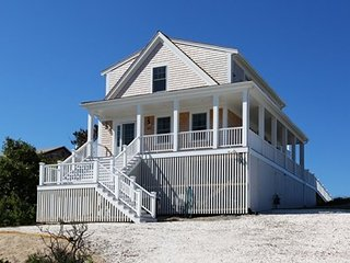 Searenity: New Beach Front Home on Cape Cod Bay