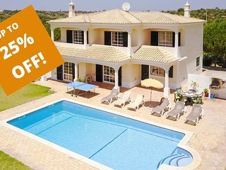 UP TO 25% OFF! MONTE DOS AVÓS Country villa,private pool, AC,WiFi, 1,5km to Guia