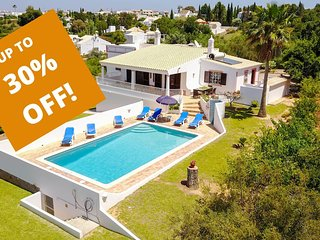 UP TO 30% OFF! GEMINI Single storey Villa,pool,garden,hillside location,AC,WiFi