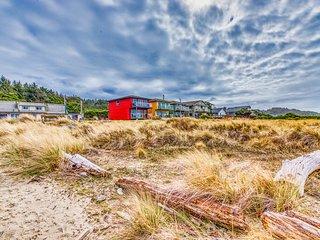 NEW LISTING! Oceanfront, dog-friendly getaway w/ beach access & a full kitchen!