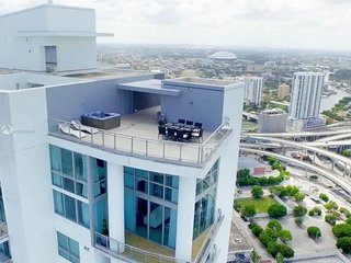 Luxury 3-Story Miami Penthouse, Gorgeous Views