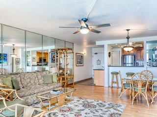 Oceanfront condo w/ shared pool, W/D, WiFi, and lots of updates!