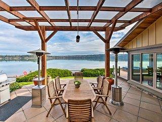 NEW! Similk Bay Retreat w/ Deck, Fire Pit+Hot Tub!