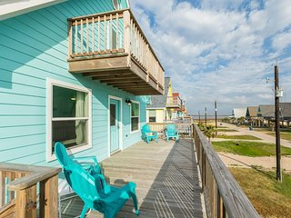 Take It Easy in Surfside - Gulf & Bay Views!