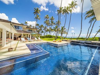 Private 7bdrm Beachfront Home w/Carriage House & Pool! Kahala Beachside Estate