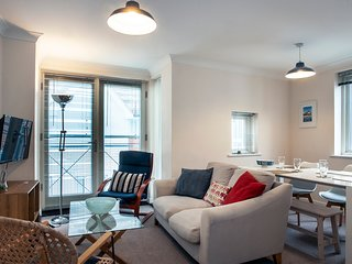 The Old Tannery - Spacious apartment close to the Marlowe theatre