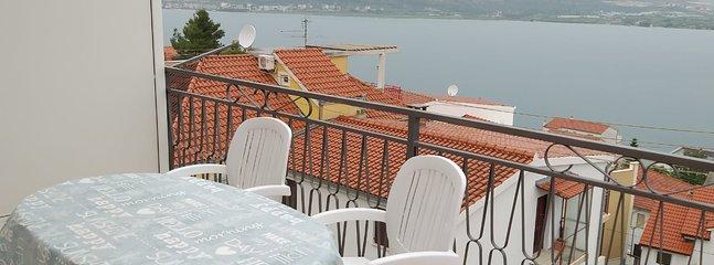 Villa Narona Apartment 2, holiday rental in Zedno